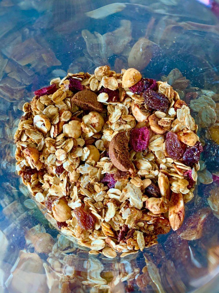 Granola met kruidnoten